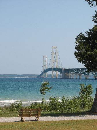 Mackinaw City, MI : View of bridge from Fort