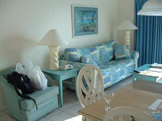 Coconut Palms Beach Resort II : living room