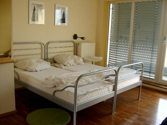 The Circus Hostel: Apartment - Beds