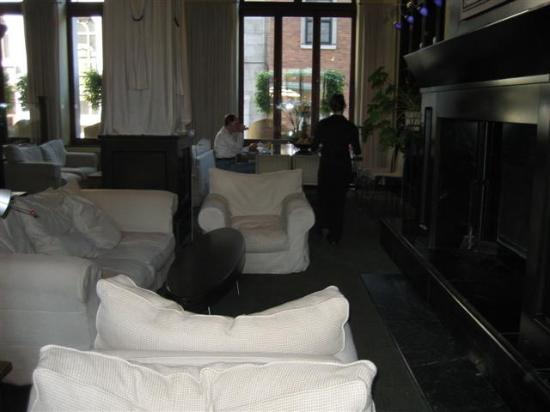 Hotel Le Germain Quebec: Lobby Seating