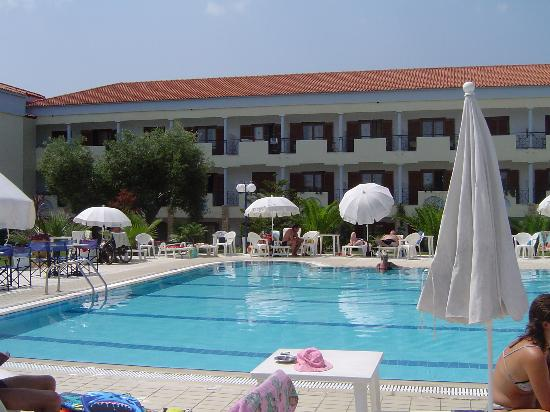 Hanioti Palace Hotel: The Pool