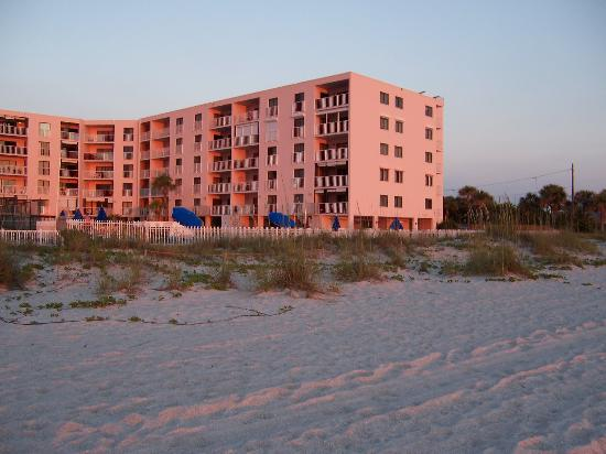 Reef Club: The building from the beach