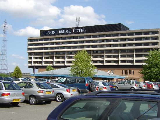 Erskine Bridge Hotel: View from front of hotel