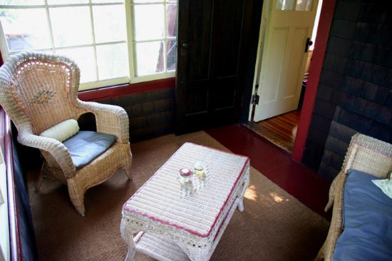 Porcupine Inn: The sweet, cozy porch off of the Saranac room.
