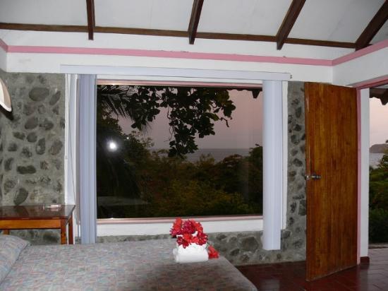 Karahe Beach Hotel: Das Zimmer - herrliche Aussicht