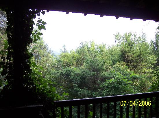 Fryemont Inn: The view from the porch
