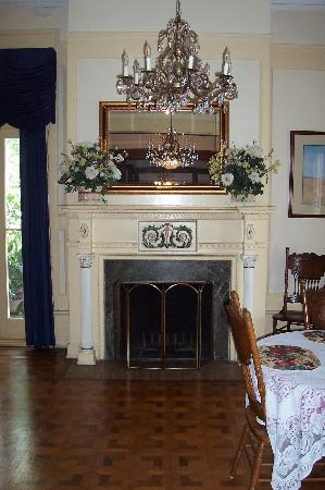 Bullis House Inn: fire place 1
