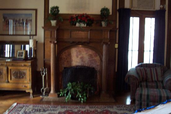 Bullis House Inn: fire place 2