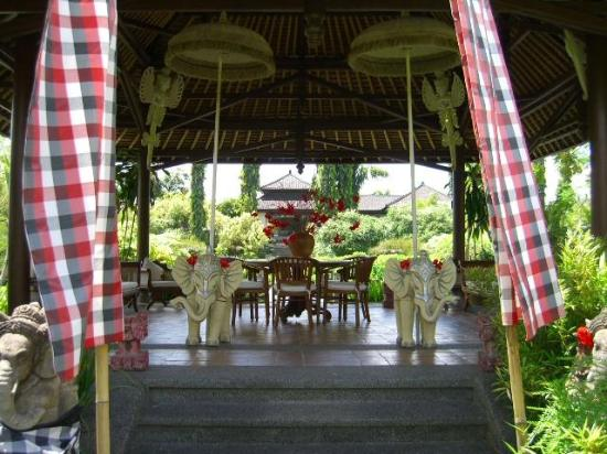 The Chedi Club Tanah Gajah, Ubud, Bali – a GHM hotel: One of the many pavilions in the grounds