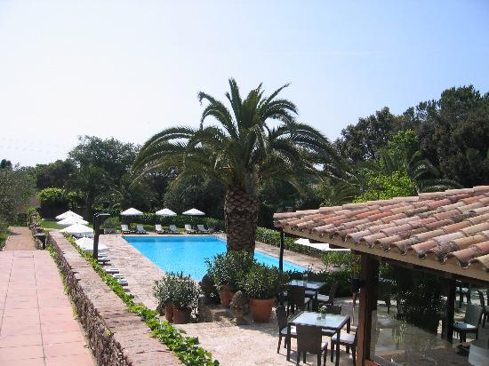 Torrent, Spania: Pool & Breakfast Area