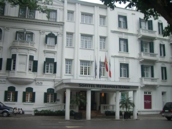 Sofitel Legend Metropole Hanoi: Entrance