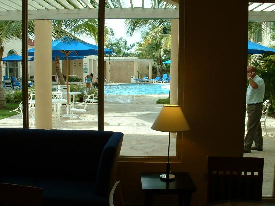 Four Points by Sheraton Caguas Real Hotel & Casino: POOL AREA