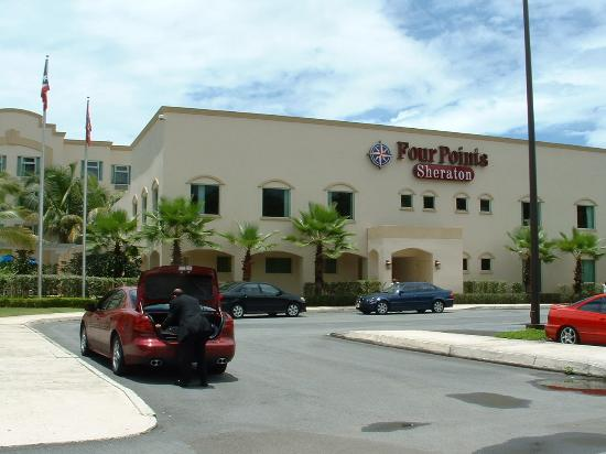 Four Points by Sheraton Caguas Real Hotel & Casino: ENTRANCE