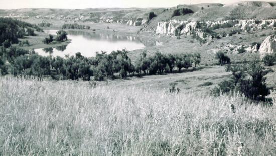 Virgelle Mercantile: nearby white cliffs of the missouri