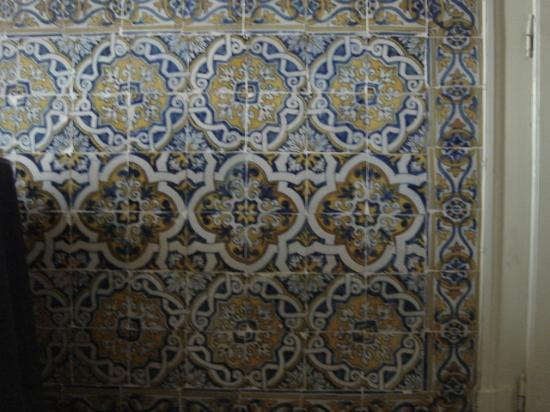 Pensao Residencial Policarpo : The 17th Century tiles