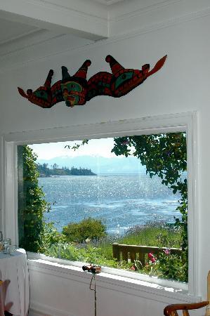 Sooke Harbour House Resort Hotel: Dining room views