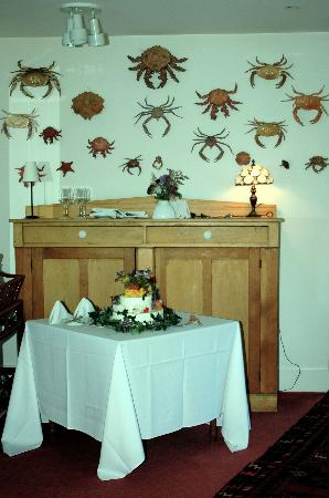 Sooke Harbour House: Crabs in the dining room