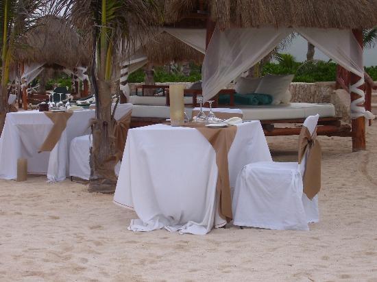El Dorado Sensimar Riviera Maya: Dinner on the beach