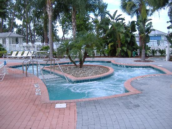 Marriott's Harbour Lake: Very Large Jacuzzi