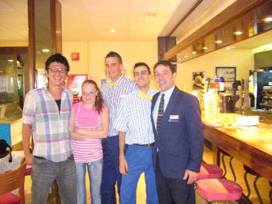 MedPlaya Hotel Regente: us with the bar staff