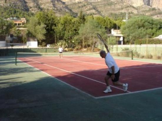 Estrella Lodge: Playing Tennis