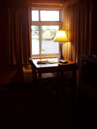 Prairie Inn and Suites: Table by the Window