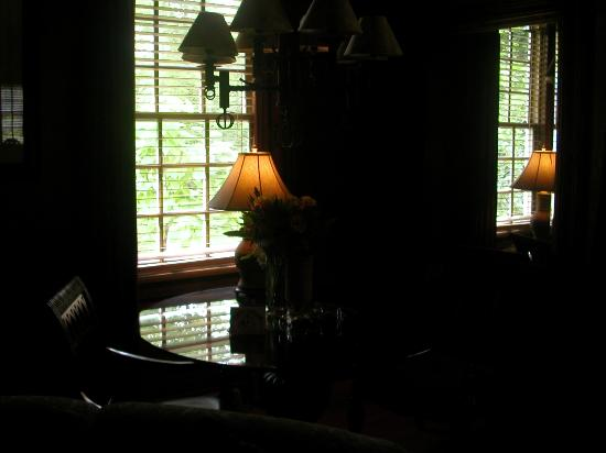 The Inn at Irish Hollow: Stonewood Cottage Dining Room (sorry - it's a litle dark)