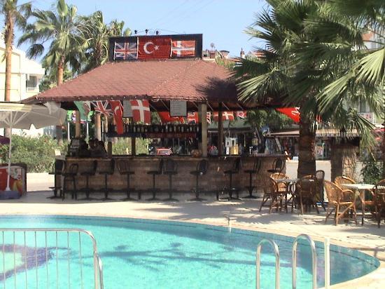 Club Sunsmile: pool&bar