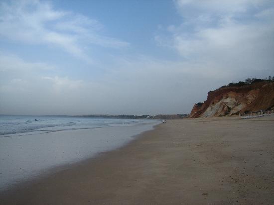 Alfamar Beach & Sport Resort: The beach (7 A.M.)