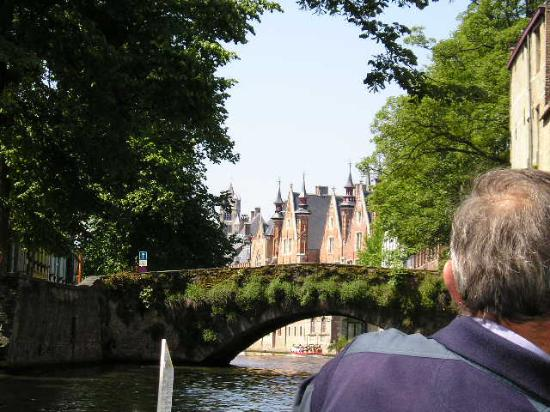 Lint Hotel Koln : Canals of Brugge