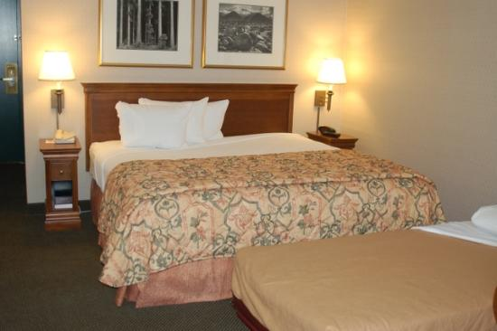 Country Inn & Suites By Carlson, San Diego North: King bed with Rollaway