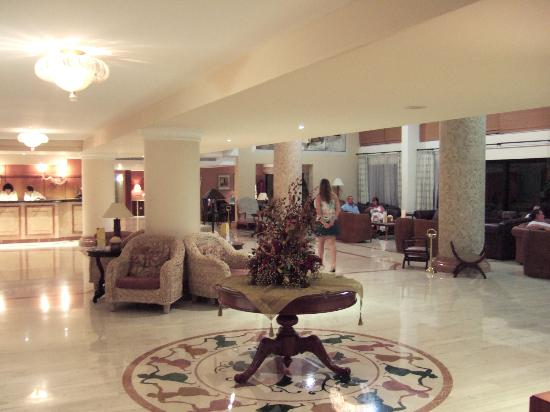 Atlantica Golden Beach Hotel: lobby area