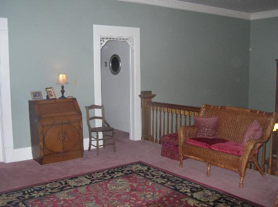 The Great Oaks Manor: Upstairs Landing