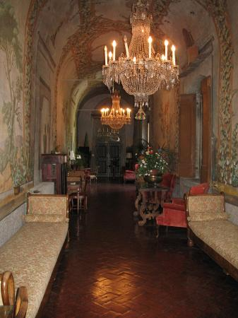 Sesto Fiorentino, Italy: Spectacular entryway