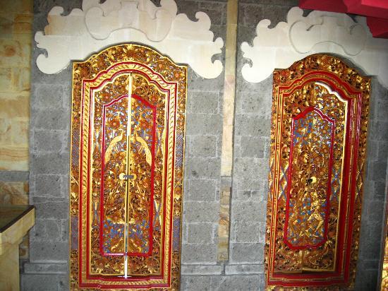 Ellie's: Ornate Spa Doors