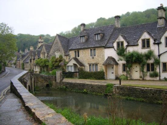 Cotswolds, UK: Castle Combe