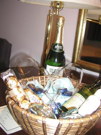Higher Ground Hotel: Romance Package Gift Basket