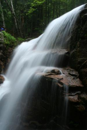 Franconia, Нью-Гэмпшир: The waterfall in the Flume