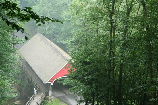 Franconia Notch State Park: Another covered bridge