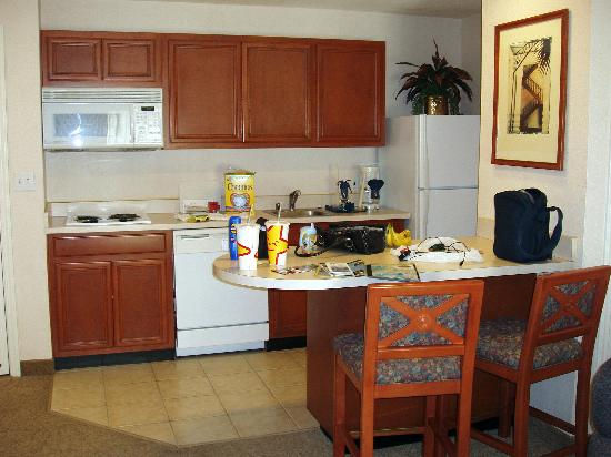 HYATT house San Diego/Sorrento Mesa: Kitchen Area