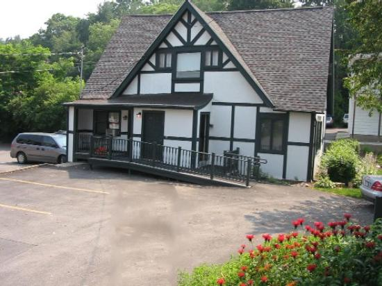 The William Henry Miller Inn: The Carriage House