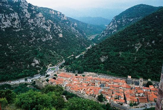 Auberge du Cedre : View on the town