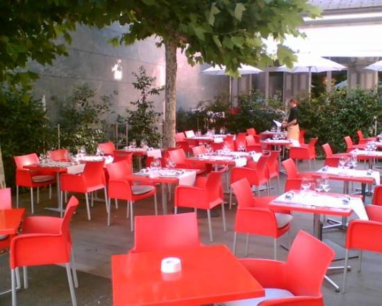 Hotel Le Terminus: Brasserie terrace