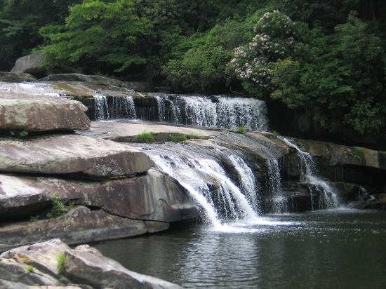 Horsepasture River and Nature Trails: Sidepocket Falls