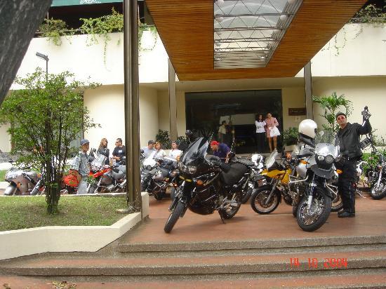 Movich Hotel Pereira : Main Entrance (entrada principal)