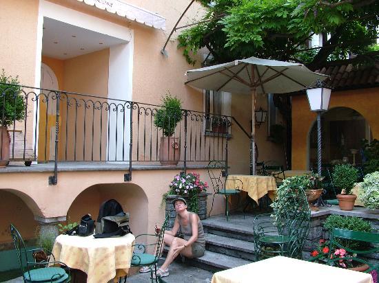 Art Hotel Riposo: Courtyard