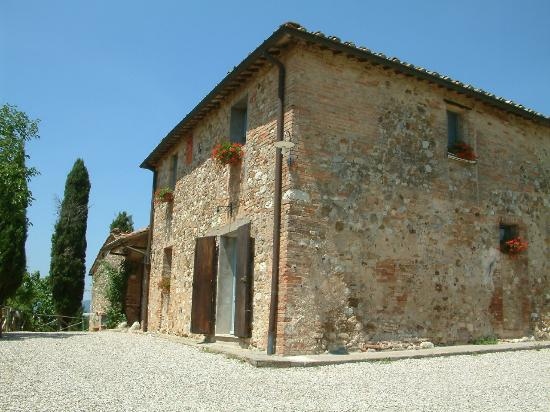 Il Poggiarello - La Ripa: Farmhouse (blue apt ground level)