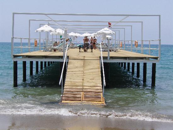 Cornelia De Luxe Resort: Beach pier