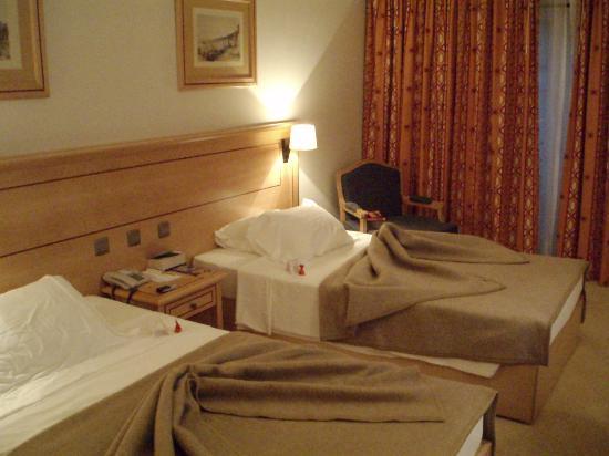 Hotel Real Palacio : Our room