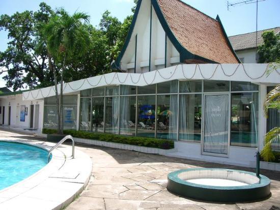 Lane Xang Hotel: Massage and gym.